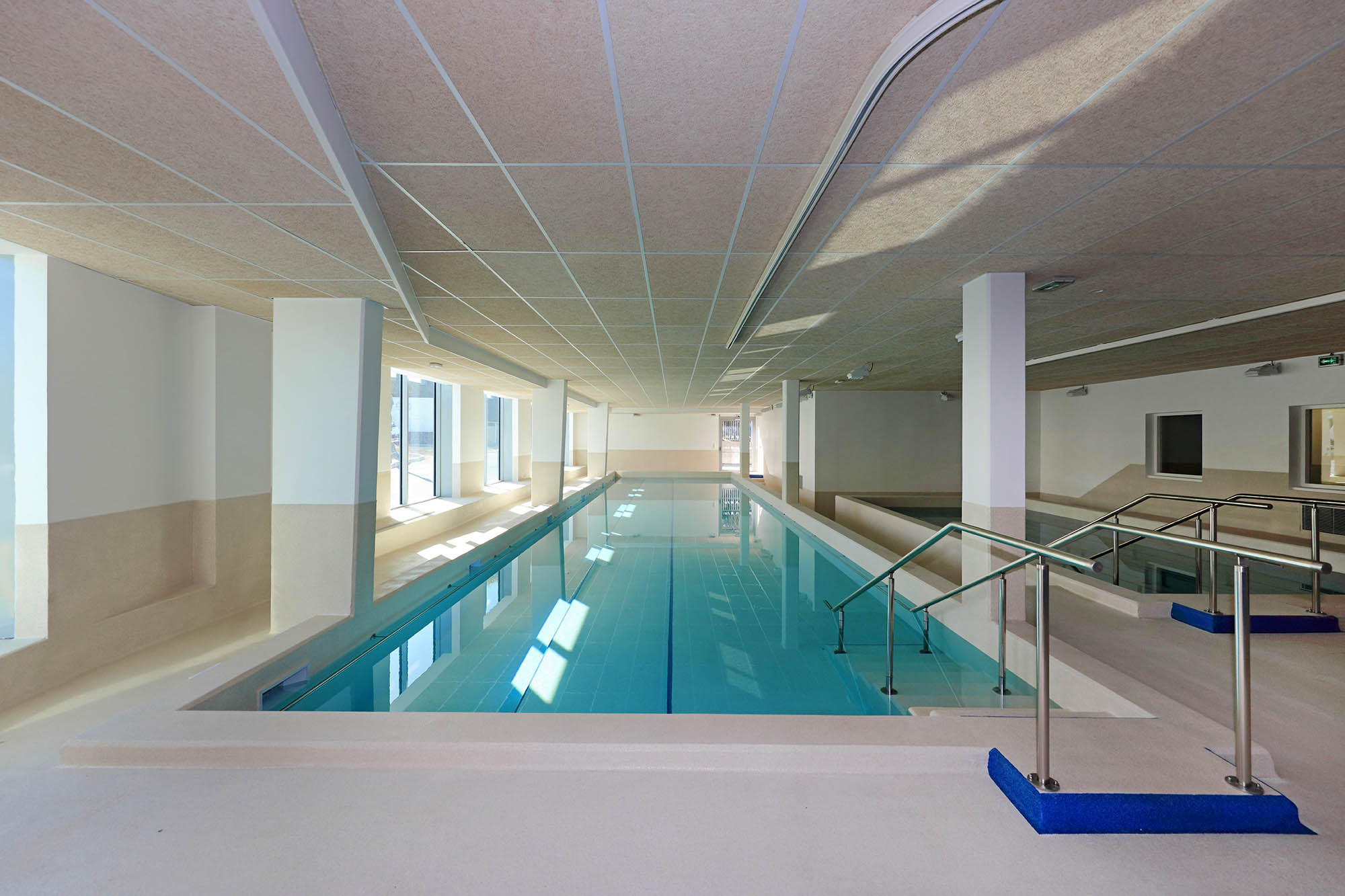 Institut universitaire de r adaptation valmante sud for Piscine universitaire